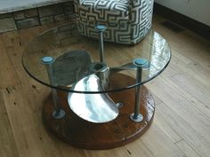 Coffee Table Ships propeller Mounted on top of a wire spool end Aviation Furniture, Nautical Furniture, Nautical Interior, Nautical Design, Diy Outdoor Furniture, Pipe Furniture, Industrial Furniture, Nautical Coffee Table, Glass Top Coffee Table