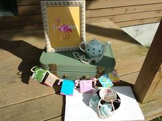 Mint & Gold bow. Vintage.Teaparty. Flamingo Fancy.Pearls