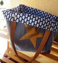 Cabas jean recyclé, étoile simili cuir, anses en cuir.