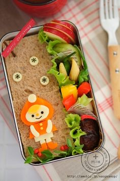 Winter girl sandwich bento