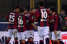 Federico Viviani of Bologna celebrates with team mates after scoring his team's third goal during the Serie A match between Bologna FC and US Citta di Palermo at Stadio Renato Dall'Ara on November 20, 2016 in Bologna, Italy.