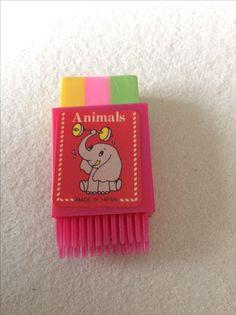 Radiergummi in Box aus Kunststoff mit Bürste und Elefanten Sticker aus den 80er Jahren / eraser with brush - Made in Japan