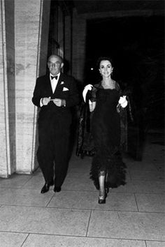 Loel and Gloria Guinness at the Philharmonic, March 1965.