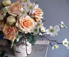 love a gorgeous flower arrangement