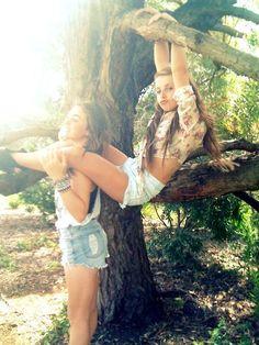 hmm remember when @ANNIKA VOGT johnson @Ellie Sherlock Lucas left us in the tree that one time??? -.- hmm? @Olivia García Reimer :)
