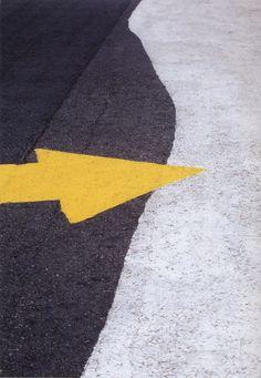 Yellow Splash of Color / Franco Fontana, Asfalti, Londra, 1995 Minimal Photography, Urban Photography, Abstract Photography, Color Photography, Street Photography, Pinterest Photography, Franco Fontana, Road Markings, Viviane Sassen