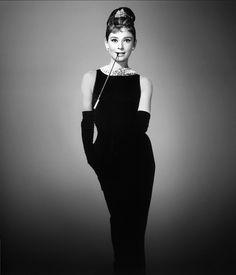 Il tubino nero non passa mai di moda!!! Il tubino fu inventato nel 1926 dalla