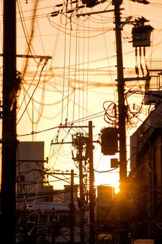 Gion at sunset (Kyoto, Japan) lines wires Aesthetic Japan, City Aesthetic, City Landscape, Urban Landscape, Aesthetic Backgrounds, Aesthetic Wallpapers, Urban Photography, Street Photography, Japan Street