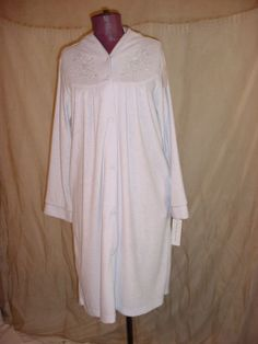 Miss Elaine Bathrobe Pale Blue Size Small Lux Terry Robe Cozy Snap Front #MissElaine #Robes