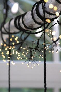 Outdoor Solar Fairy Lights, Wire Fairy Lights, Fairy Lights Wedding, Solar String Lights, String Lights Outdoor, Wedding Lighting Indoor, Outdoor Garden Lighting, Scandinavian Garden, Scandi Garden