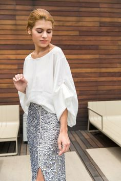Silvia Bosch con falda y blusa de la colección primavera-verano 2013 / SAYAN
