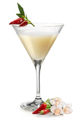 FRANGELICO CLEOPATRA Glass: capacity from 5 to 8 oz. (from 15 to 24 cl) INGREDIENTS:  1¼ oz./ 3,75 cl/ 1 part Frangelico 1 oz./ 3 cl/ 2 parts almond milk A hint of chilli pepper Shake and serve up in a glass and garnish with a fresh chili pepper.