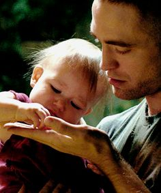 Willow and Monte - Robert Pattinson - High Life Robert Pattinson Movies, Robert Pattinson Twilight, Robert Pattinson And Kristen, Robert Douglas, I Robert, Edward Cullen, Elizabeth Gillies, Taylor Lautner