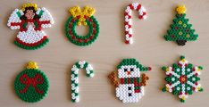 Christmas iron beads 12 models to make with Hama beads Beaded Christmas Decorations, Christmas Perler Beads, Beaded Ornaments, Christmas Crafts, Christmas Templates, Christmas Friends, Christmas Ideas, Christmas Things, Holiday Ornaments