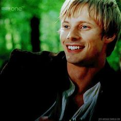 bradley james smile - photo #14