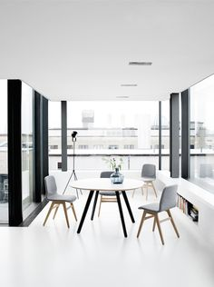 Delicieux Lightweight Dining Chair London By BoConcept