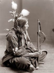 Today's picture is from and shows a Sioux Indian man. The picture was taken by Gertrude Kasebier, who took a number of portraits of Native Americans. All Things Native American Indian,My heart,Native American,Nativ Native American Beauty, Native American Photos, Native American Tribes, Native American History, American Indians, Navajo, Wild West, Portraits, First Nations