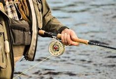 Here are the exact details on how to use fishing reels. Best 2 methods of how to use fishing reels. you can learn to use the fishing reels properly. Fly Fishing For Bass, Bass Fishing Tips, Fishing Life, Sea Fishing, Fly Reels, Fishing Reels, Salmon Fishing, Trout Fishing, Penn Reels