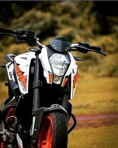 DRop the GeAr aNd disappear pride to ride Pic by Best Photo Background, Studio Background Images, Dslr Background Images, Duke Motorcycle, Duke Bike, Motorcycle Tattoos, Photoshop Hair, Ktm Duke 200, Bmw Classic Cars