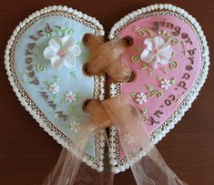 stunning gingerbread heart cookies by carmella