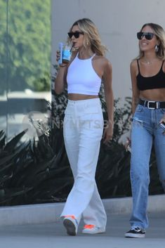 Celebrity Style Casual, Celebrity Outfits, Trendy Outfits, Cute Outfits, Fashion Outfits, Estilo Hailey Baldwin, Hailey Baldwin Style, Mode Ootd, Modelos Fashion