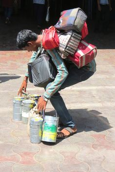 BombayJules: The Mumbai Dabbawalas - Dabba Dabba Do! Biting off more than he can chew...