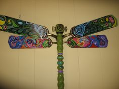 Old fan blade dragonfly with glass doorknob eyes and zen doodle dragonfly from fan blades and spindle peace lover 125 httpgoldcountry aloadofball Image collections