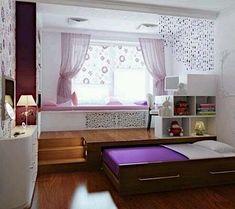 кровать-подиум в интерьере детской комнаты