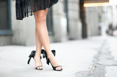 These black heels would be perfect for a stylized #boudoir session!  I love how dramatic that black bow is.