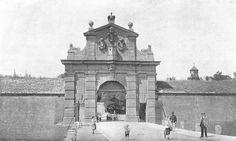 Leopoldova brána Czech Republic, Prague, Taj Mahal, Building, Travel, History, Viajes, Buildings, Traveling