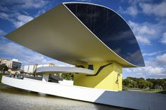 Eye shaped Oscar Niemeyer Museum at Curitiba, Brazil Oscar Niemeyer, Mexico City, Brazil, Design Inspiration, Museum, Tech, Future, World, Building