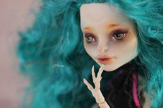 Monsterhigh Skelita repaint/ OOAK   Flickr - Photo Sharing!