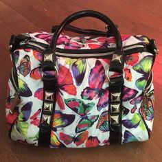 BETSEY JOHNSON BUTTERFLY BAG Betsey Johnson butterfly printed bag. Betsey Johnson Bags Shoulder Bags