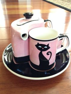 Pink Panther? Hues N Brews 4 Pc.Tea Pot Set Mug Creamer &Tray Pink  Black Cat & Paw Prints