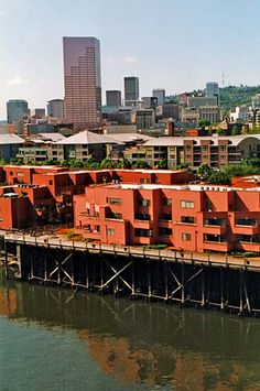 Condominiums along the Willamette River with downtown Portland in the background. photo by Gary Halvorson, Oregon State Archives