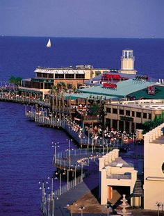 Kemah Boardwalk -- Kemah, Texas (Southeast of Houston - close to Clear Lake) - great food, amusement type setting with rides, games - fun for everyone! Somewhere to road trip? Oh The Places You'll Go, Great Places, Places To Travel, Places Ive Been, Places To Visit, Travel Destinations, Santa Lucia, Jamaica, Kemah Boardwalk
