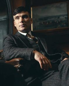 """9,893 Likes, 150 Comments - Cillian Murphy (@ofycm) on Instagram: """"Mr Shelby will see you... in 1 DAY! · Peaky Blinders S4 premieres on @bbctwo at 9PM Wednesday. It…"""""""