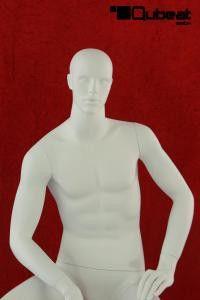 #Schaufensterpuppe #Mannequin #Gesicht  #weiß #sitzend #männlich #matt