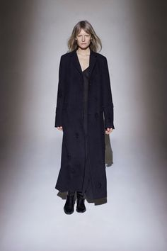 See the complete The Row Fall 2016 Ready-to-Wear collection.