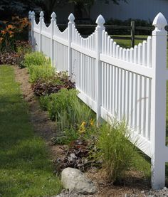We provide white picket fence design. There's something very charming and comforting about a white picket fence, something that inspired comfort and coziness. Backyard Privacy, Privacy Fences, Backyard Fences, Garden Fencing, Fenced In Yard, Vinyl Picket Fence, Picket Fence Decor, Fence Decorations, White Picket Fences