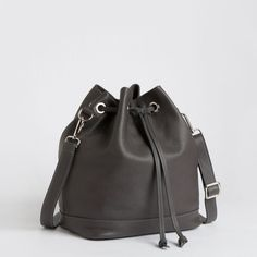 Roxanne Tribe | Women's Leather Shoulder Bags | Roots