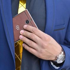 BlackBerry Passport Silver Edition #ukarbon #blackberrypassportsilveredition… Blackberry Mobile Phones, Blackberry Passport, Cool Technology, Apple, Silver, Den, Accessories, Instagram, Cases