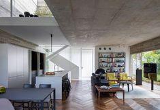 Una casa moderna che nasconde uno spazio inaspettatoelledecoritalia