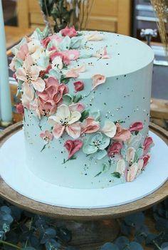Cake Decorating Frosting, Cake Decorating Designs, Birthday Cake Decorating, Cake Decorating Techniques, Elegant Birthday Cakes, Beautiful Birthday Cakes, Flower Birthday Cakes, Birthday Cake For Mom, Beautiful Cake Designs