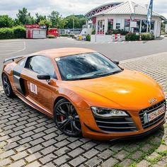 Orange R8
