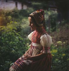 Hrušov, Slovakia German Folk, Historical Clothing, Ethnic, Bohemian, Culture, Costumes, Amazing People, Beautiful, Clothes