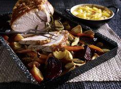 Schweinebraten mit Schwarte und Ofengemüse - #mit #Ofengemüse #Schwarte #Schweinebraten #und Thanksgiving Truthan, Pork Roast, Pictures
