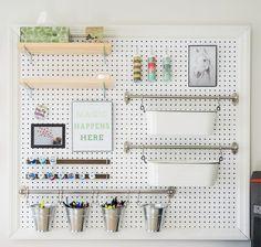 objetos-imprescindibles-para-ordenar-pegboard