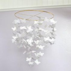http://paper.tipjunkie.com/butterfly-chandelier-mobile-decorating-with-paper?utm_source=feedburner&utm_medium=email&utm_campaign=Feed%3A+TipJunkieAllSites+%28Tip+Junkie+~+Creative+Inspiration+{All+Sites}%29                     Love this so much for my guest bathroom!