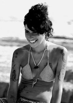 Amy Winehouse, Amazing Amy, She Song, Her Music, Wine Online, Prince Batman, Delivery, Singer, Club